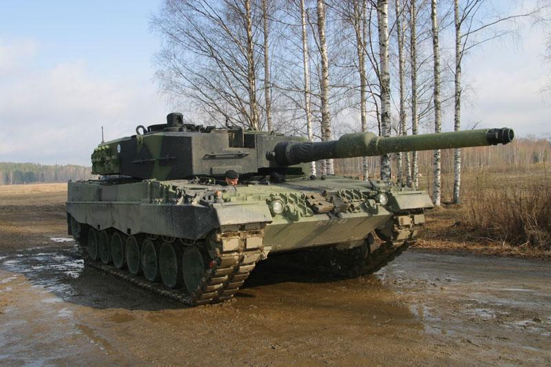Polônia compra 116 tanques Leopard à Alemanha