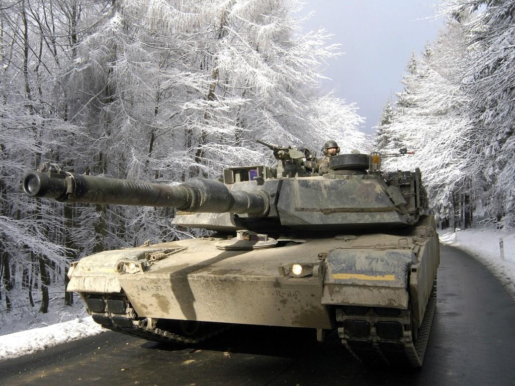 http://www.inetres.com/gp/military/cv/tank/M1/M1A1_01.jpg